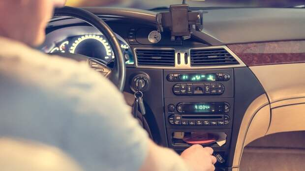 Автоэксперт рассказал, как не уснуть за рулём