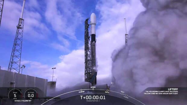 Илон Маск отправил в космос прах 100 человек