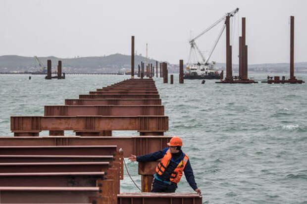Стало известно, во что обойдется мост в Крым