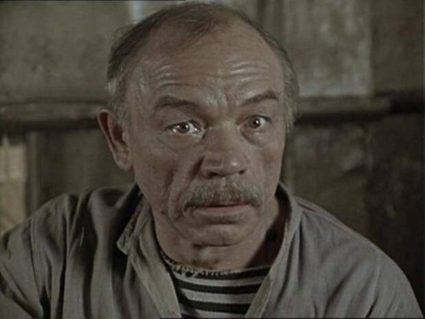 Как выглядел в молодости, и какие роли играл забавный старик из фильмов 90-ых Владимир Кашпур