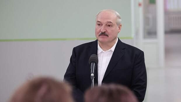Лукашенко не исключил возможность президентского декрета