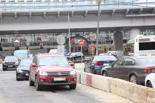 Ограничения на дорогах у метро «Ботанический сад»  связаны со строительством эстакады СВХ