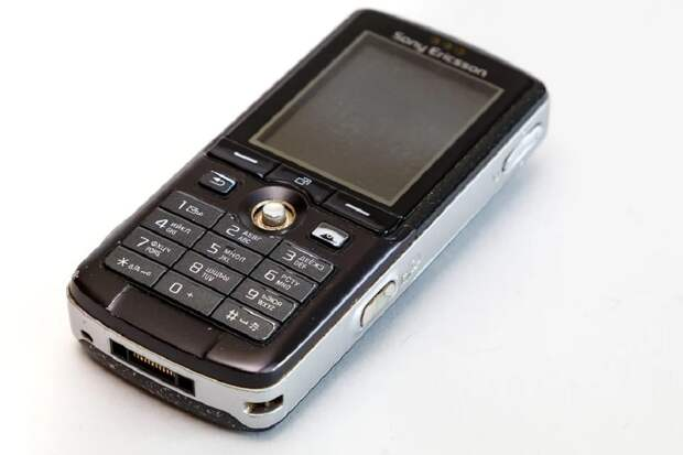 Кнопочные мобильные телефоны стали вновь популярны у россиян