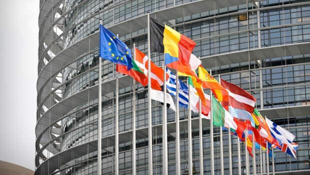 В СВР заявили о готовящихся планах ЕС обвинить Россию в создании помех для вакцинации