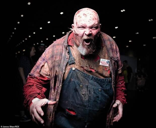 Кровь, отрубленные головы и жуткие лица: в Лондоне отгремела вечеринка «ходячих мертвецов»