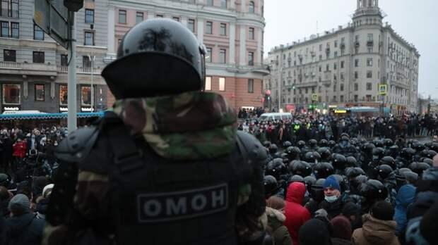 """Счёт идёт на десятки: В Москве от рук """"гуляющих"""" пострадали силовики"""