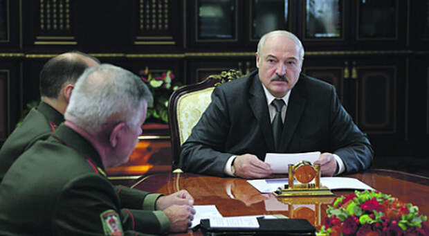 """Лукашенко открывает украинский фронт. Минск обещает ответить на """"неприличные"""" действия Киева в координации с Москвой"""