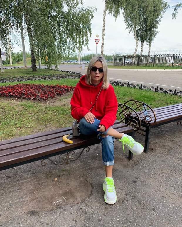 Почему Салтыкова не стареет?