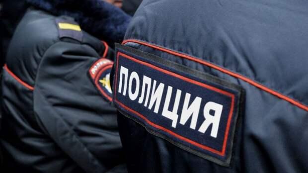 Завернутое в пленку тело женщины нашли в петербургской квартире