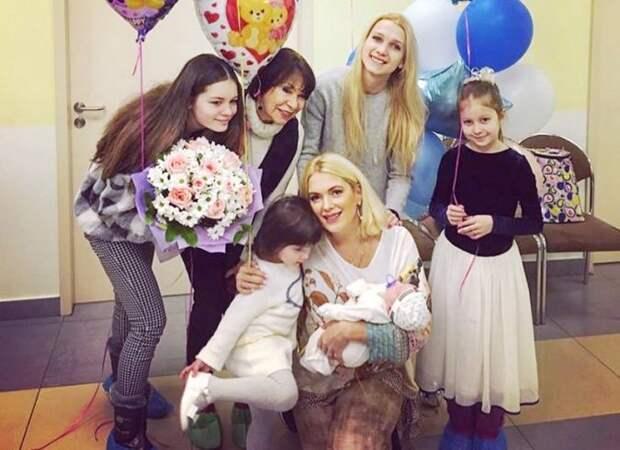 Мать-одиночка, воспитывающая пятерых детей: Мария Порошина заговорила о безысходности