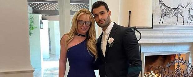 Бритни Спирс с бойфрендом Сэмом Асгари повеселилась на свадьбе друга