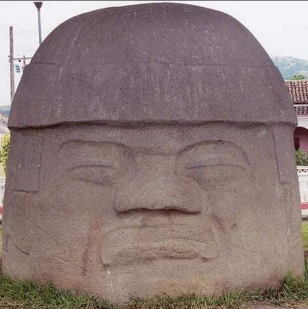 истукан каменный