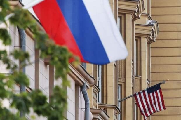Россия и США могут вернуть послов после встречи в Женеве - Известия
