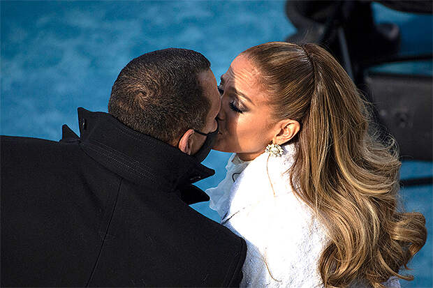 дженнифер лопес целуется с алексом родригесом