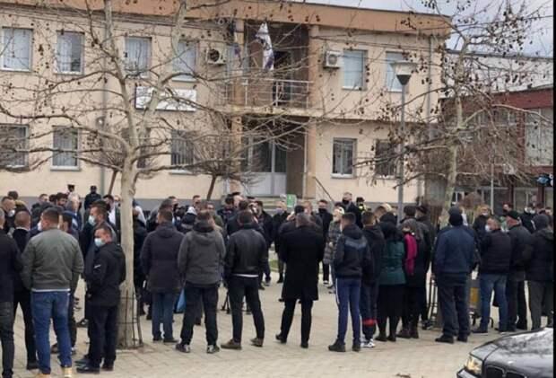 В Косово жители сербского анклава поднялись против беспредела албанцев