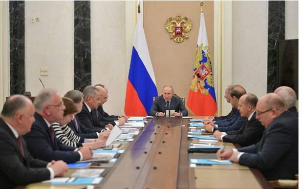 В Кремле обсуждены вопросы военно-технического сотрудничества с зарубежными странами
