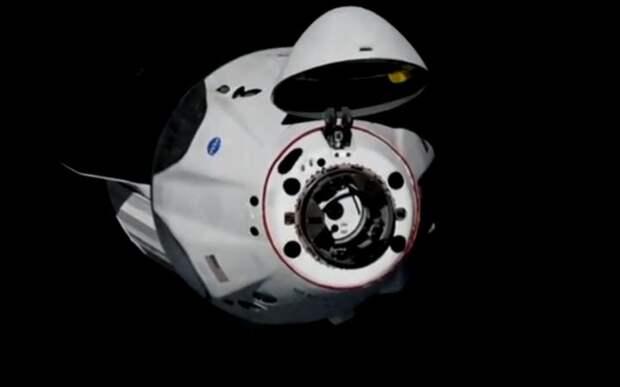 Есть контакт! Состоялась стыковка корабля Crew Dragon с МКС | 42 ...