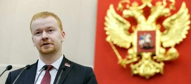 Депутат Парфёнов прокомментировал наличие второго гражданства у 39 депутатов Единой России в Госдуме