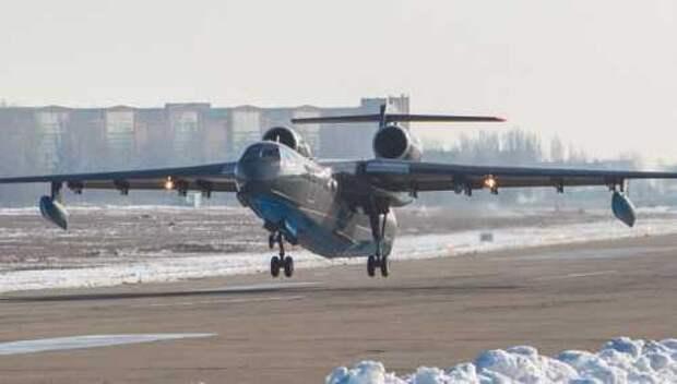 Спасательный самолёт-амфибия Бе-200ЧС морской авиации ВМФ РФ