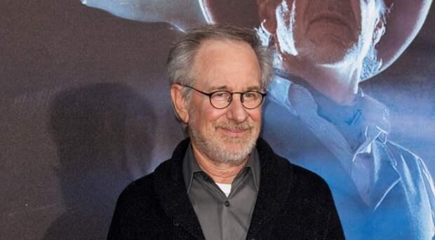 Студия Стивена Спилберга будет выпускать фильмы для Netflix