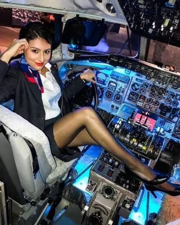 Ножки стюардесс. Подборка chert-poberi-styuardessy-chert-poberi-styuardessy-34370108022021-1 картинка chert-poberi-styuardessy-34370108022021-1
