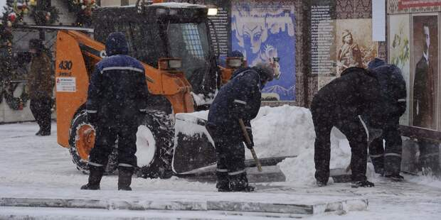 Местные жители недовольны уборкой снега на Ботанической