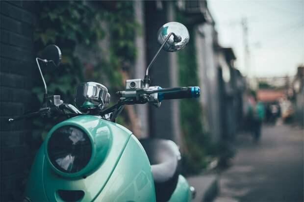 Благотворительный показ винтажных мотоциклов прошел на Северном речном вокзале