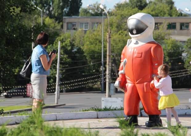 Космонавтам запретят ругаться матом и обсуждать Роскосмос