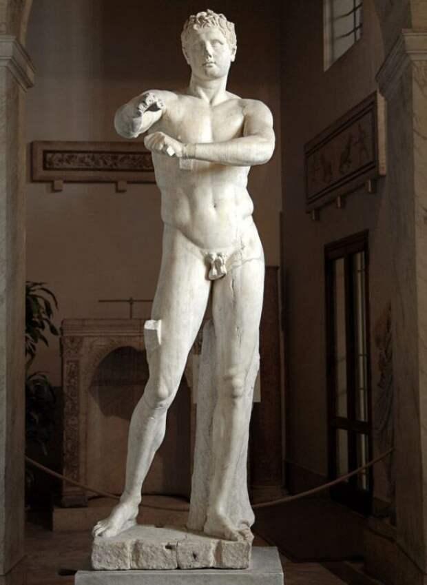 Статуя Афродиты Книдской— такая реалистичная, что еекогда-то изнасиловали