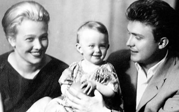 Эдуард, Инга и дочь Вероника