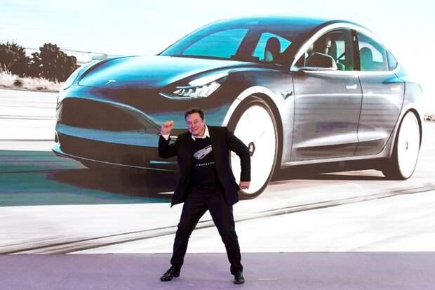 Безумный рост акций Tesla уже больше года удивляет экспертов
