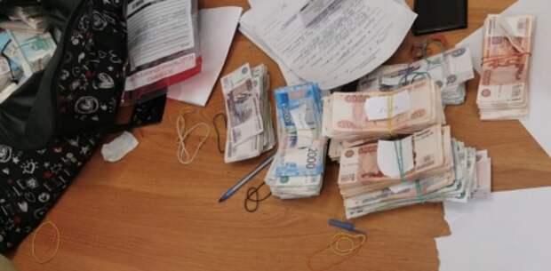 Суд в Симферополе арестовал укравшего 40 миллионов рублей инкассатора