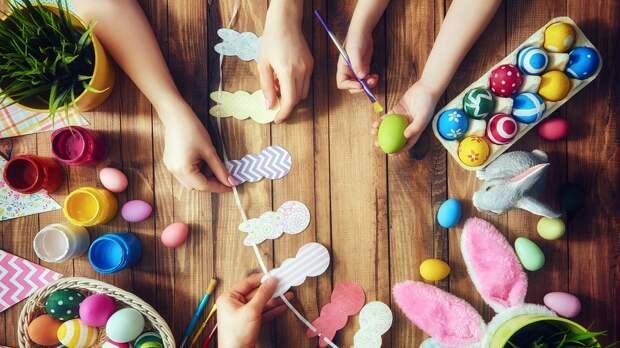 Как и чем красить пасхальные яйца: 8 простых способов