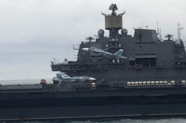 """В Минобороны рассказали о ремонте крейсера """"Адмирал Кузнецов"""""""
