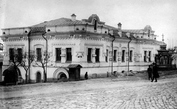 Как Ельцин оправдал снос дома Ипатьева, где казнили Николая II