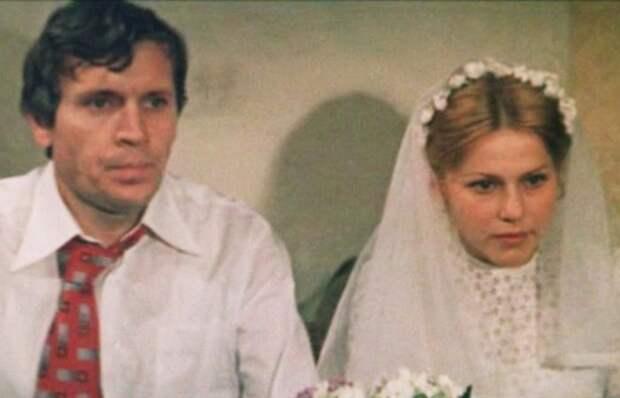 За кадром фильма «Молодая жена»: Почему съемки стали судьбоносными для Анны Каменковой, а Сергея Проханова едва не лишили слуха