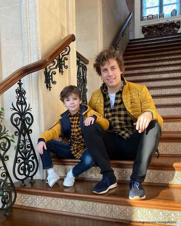 Сын Максима Галкина похвастался модной прической (видео)