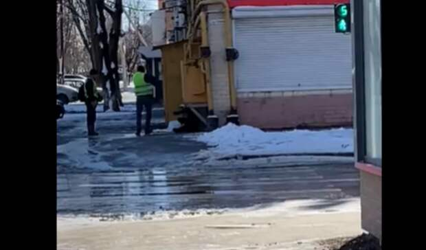 Полиция Ростова проверяет информацию обизбиении дворником мужчины