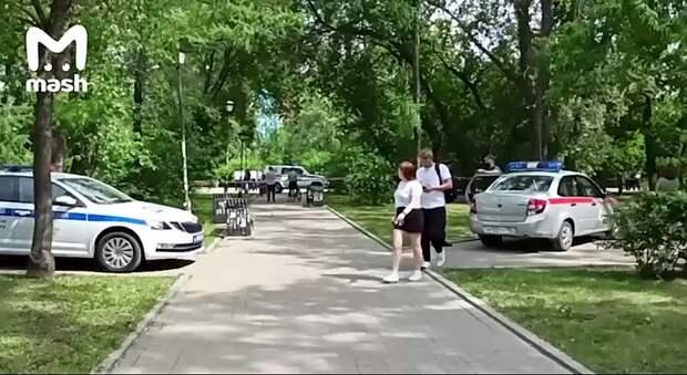 В Екатеринбурге мужчина с ножом напал на прохожих, ранил троих. Это случилось в районе...