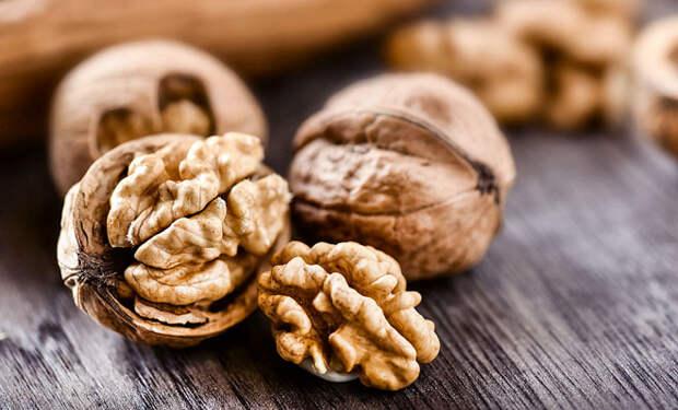 Снимаем плохое настроение: едим грецкие орехи