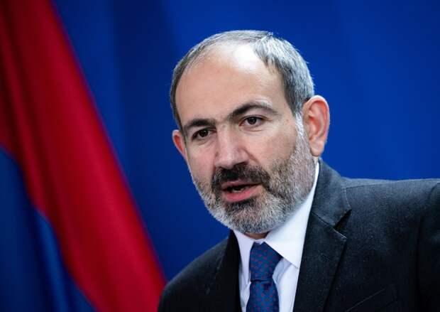 Премьер Армении призвал армянский народ взять оружие