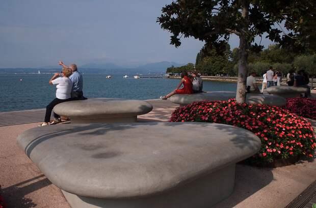 ПУТЕШЕСТВИЯ. Бардолино (Bardolino) на озере Гарда. Италия