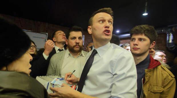 Владимир Путин упустил из виду два факта и был моментально «разоблачен» Алексеем Навальным