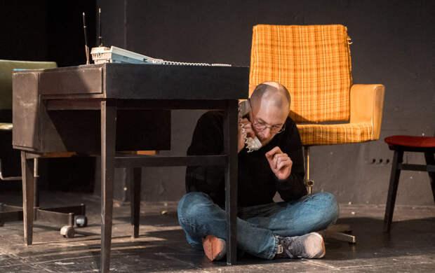 В Петербурге показали спектакль про Стива Джобса