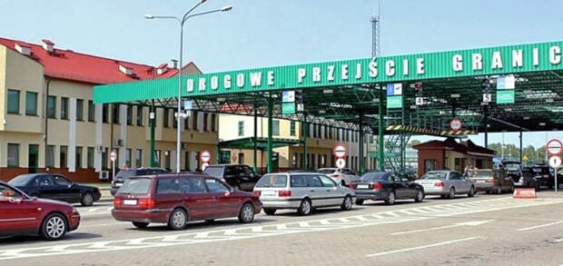 Украинцы устроили огромную пробку на польской границе после праздников