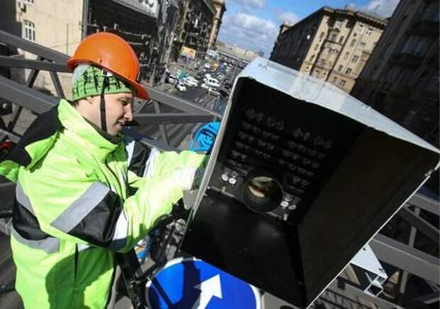 Камеры на дорогах научатся фиксировать заезд за стоп-линию