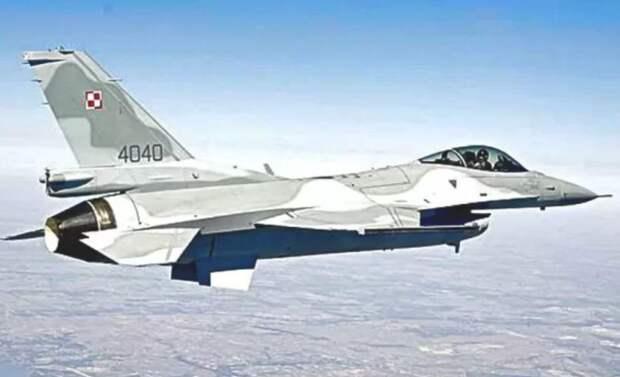 Пилот Польши дал команду «приземлиться» истребителю России. Что из этого вышло