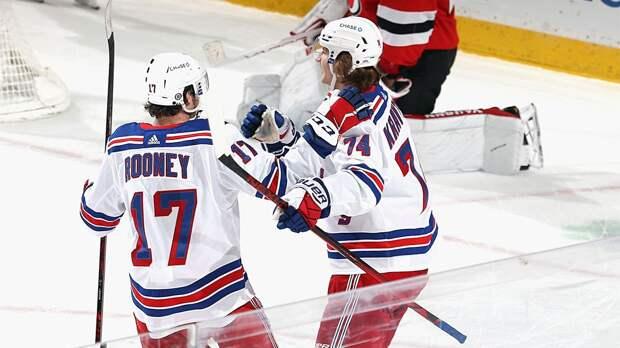 Виталий Кравцов забросил свою 1-ю шайбу в НХЛ: видео