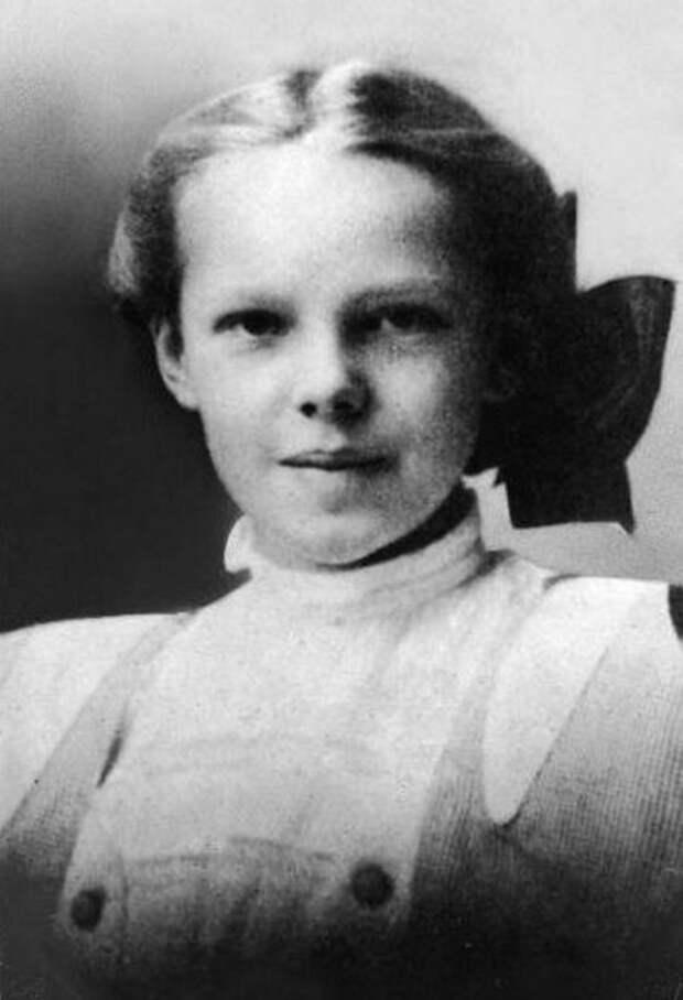 Амелия Эрхарт. Девушка авиатор и океанская бездна