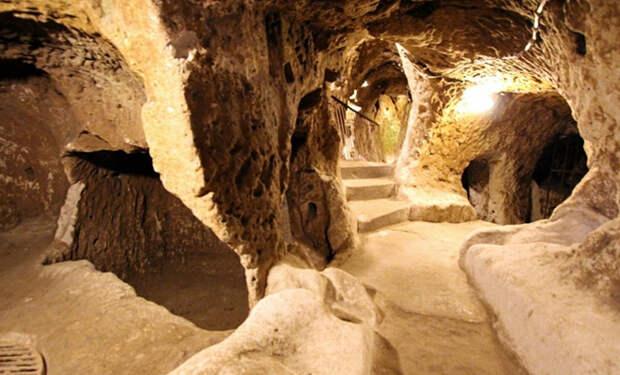 Турок делал ремонт дома и случайно пробил путь в подземный город